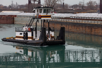 Calumet River barge operations near the 100th Street Bridge. 1/29/20