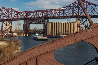 Barge heading up the Calumet River, passing under the Chicago Skyway bridge. 12/17/18