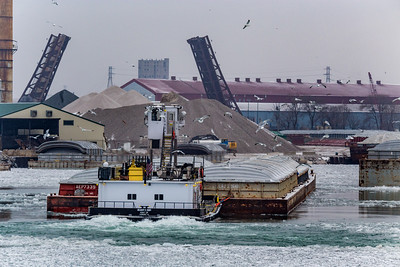 IMG_4819.jpg  Tow boat pushing four barges on the Calumet River towards 106th Street bridge. 2/17/19