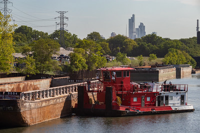 IMG_3330.jpg  Barge operations on the Chicago Sanitary and Ship Canal, east of California Avenue. 8/21/20