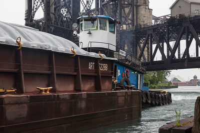 IMG_2876_1.jpg Tow boat and barges heading north on the Calumet River between 100th Street and 95th Street. 6/10/18