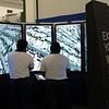 Cancún Messe: Google presentó una gigantesca pantalla para navegar con Google Earth.