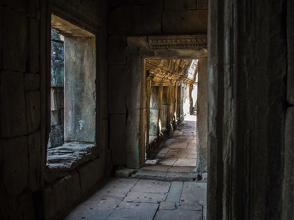 Windows, Angkor Wat complex