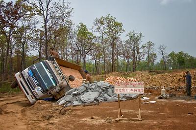 One way to unload bricks ...