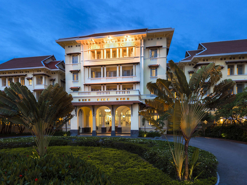 ? Raffles Hotel Le Royal ?