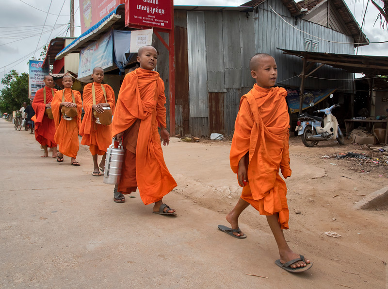 LIttle monks on the move @ Silk