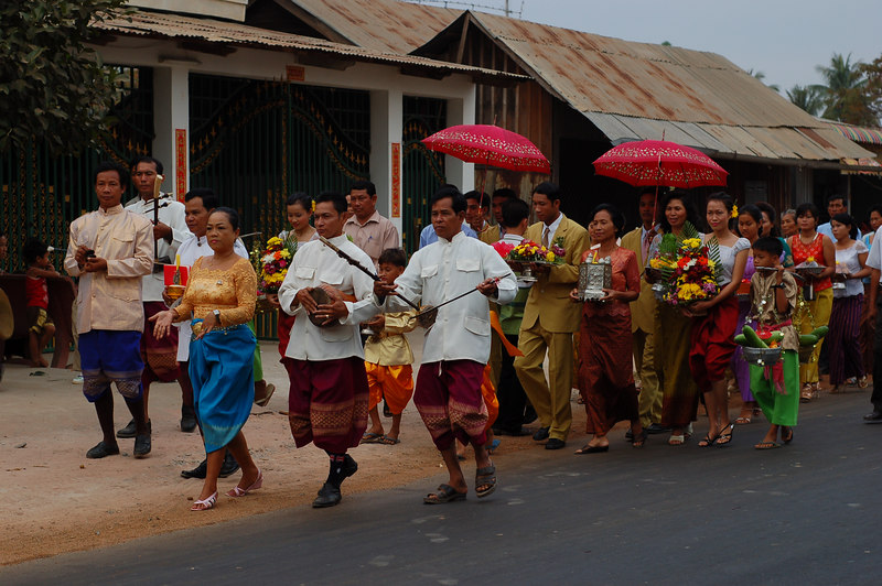 As the stars are properly aligned there were alot of weddings while we were in Cambodia.