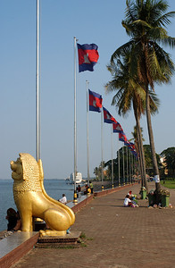 Tonle Sap waterfront