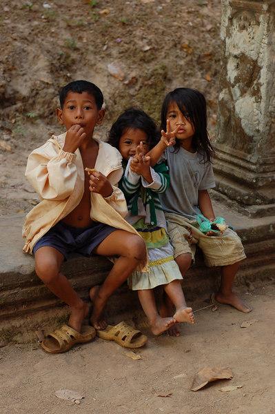 Young souvenir sellers at Prasat Preah Khan Temple