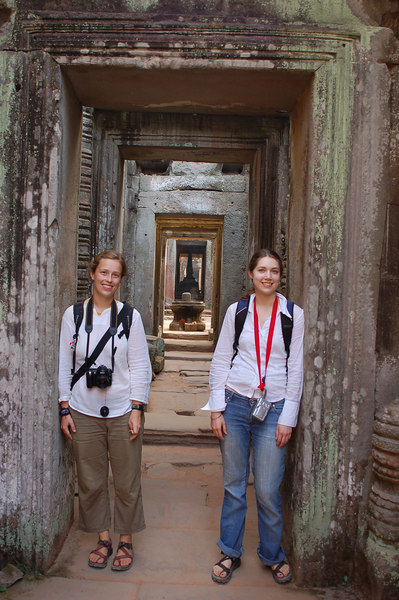 Emilie and Margaux in Prasat Preah Khan
