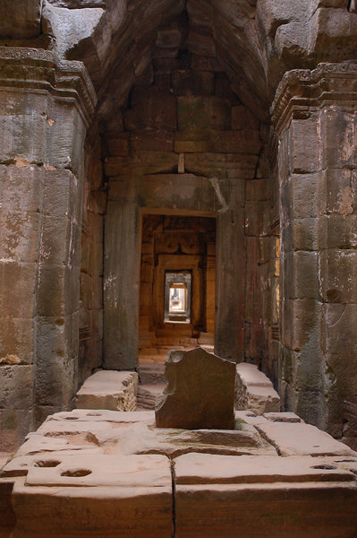 The amazing corridors of Prasat Preah Khan