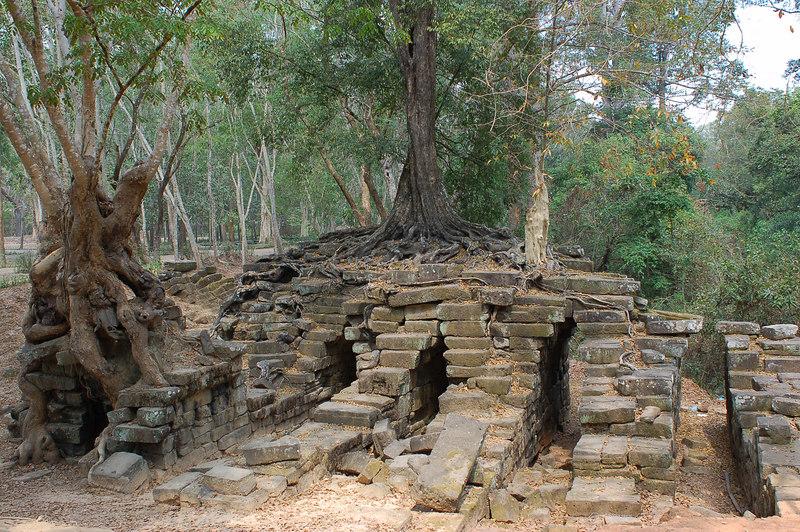Spean Thmor Temple  pieces