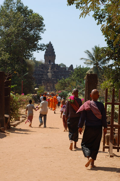 Nuns and monks heading to Bakong Temple