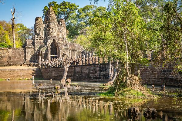 Ankor Wat, Entrance