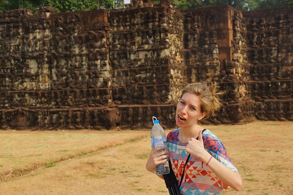 Bring water to the temples of Angkor!