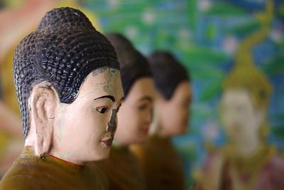 Wat Bo Statue