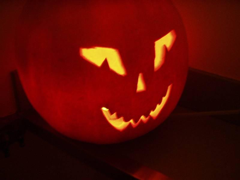 web scary pumpkin