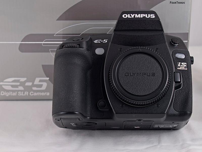 Olympus Four Thirds E-5 DSLR