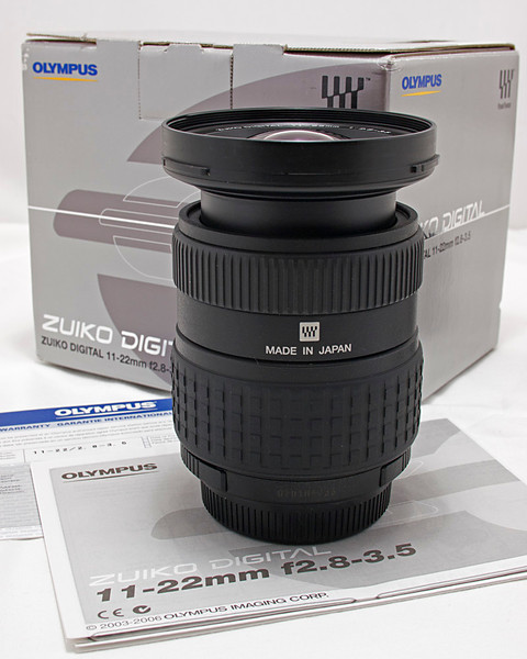 11-22 mm f/2.8-3.5 Wide Angle Lens