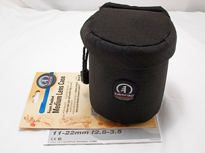 Tamrac padded lens pouch to fit 11-22 mm f/2.8-3.5 lens