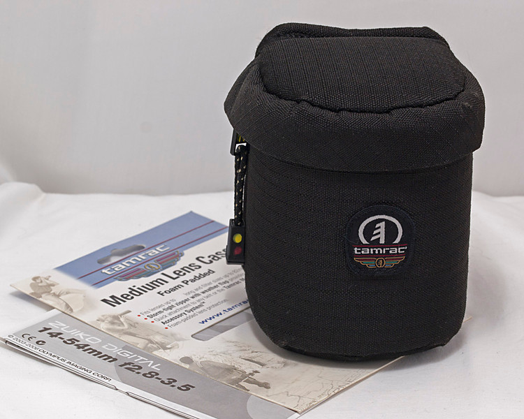 Tamrac padded lens pouch to fit 14-54 mm f/2.8-3.5 lens