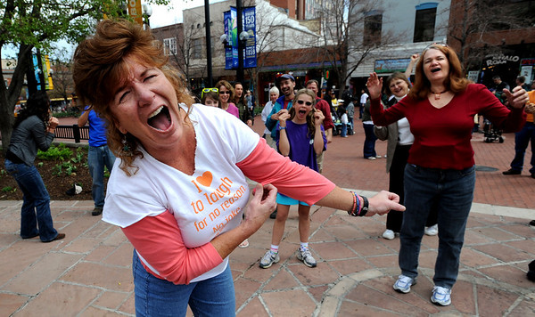 Ellen Brown is a world-class laugher and she uses it as therapy.<br /> Sunday, May 3, 2099 was World Laughing Day. About 20 people celebrated the occasion on the Pearl Street Mall.<br /> Cliff Grassmick / May 3, 2009