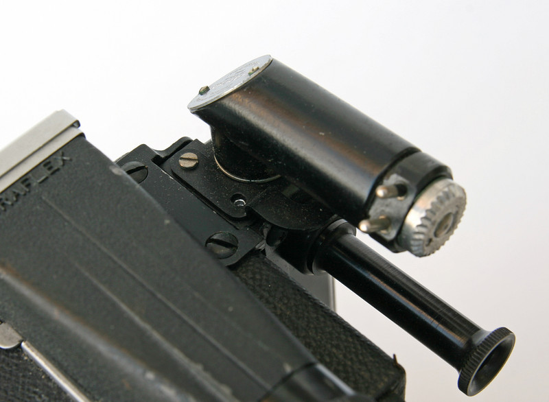 This photo shows the missing screw on the Focuspot head.