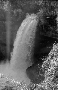 Leica M2 R_21 Acros 100 Pushed 400 HC110 Minnehaha Falls 10-23-16 003