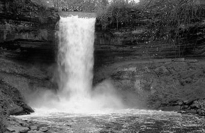 Leica M2 R_21 Acros 100 Pushed 400 HC110 Minnehaha Falls 10-23-16 031