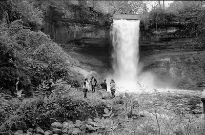 Leica M2 R_21 Acros 100 Pushed 400 HC110 Minnehaha Falls 10-23-16 027