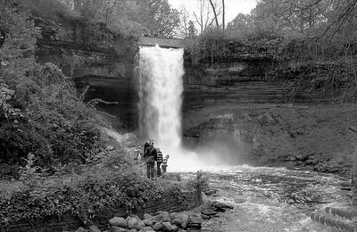 Leica M2 R_21 Acros 100 Pushed 400 HC110 Minnehaha Falls 10-23-16 034