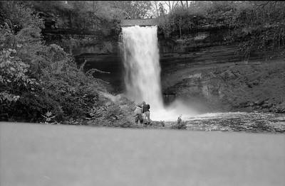 Leica M2 R_21 Acros 100 Pushed 400 HC110 Minnehaha Falls 10-23-16 025