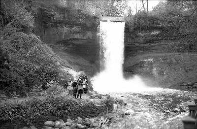 Leica M2 R_21 Acros 100 Pushed 400 HC110 Minnehaha Falls 10-23-16 028