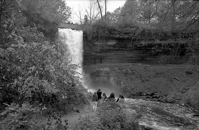 Leica M2 R_21 Acros 100 Pushed 400 HC110 Minnehaha Falls 10-23-16 029