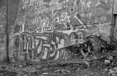 Leica M2 R_21 Acros 100 Pushed 400 HC110 Minnehaha Falls 10-23-16 024