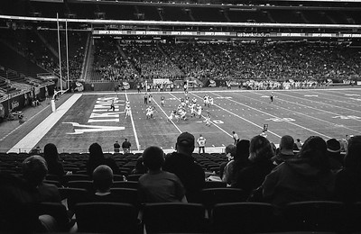 Leica M6 R_7 Tri-X 400 Pushed 800 HC110 35mm US Bank Staduim Elk River Elks 11-18-16008