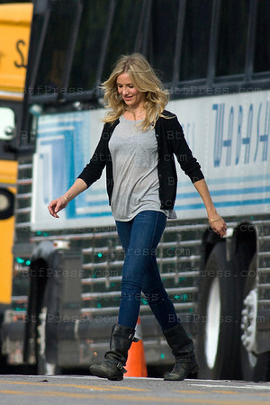 "Cameron Diaz with Justin Timberlake on the set of ""Bad Teacher"" at the City Hall downtown Los Angeles."