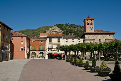 The spacious main square of Belorado.