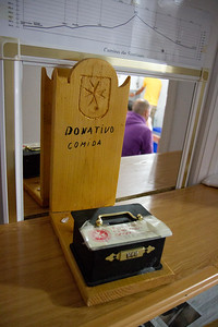 An albergue in Cizur Menor, run by the Order of Malta, provides a stocked kitchen.  This box is for donations toward food.