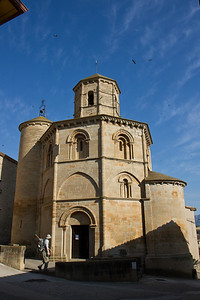 Iglesia del Santo Sepulcro in Torres del Río is well-proportioned with an octagonal cylinder and intricately carved corbels.