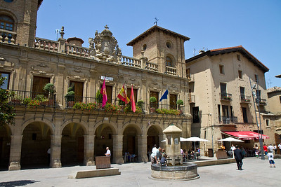 The impressive Baroque ayuntamiento in the mains square of Viana, Spain.