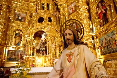 Iglesia de la Asunción in Navarrete, Spain features a spectacular Baroque glittering gold retablo.