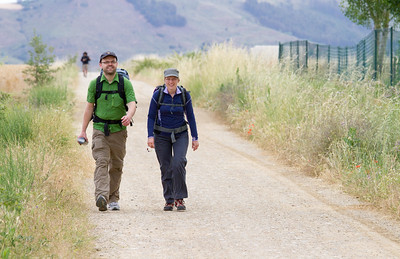Norwegian pilgrims enjoy the wide flat path into Cirueña.