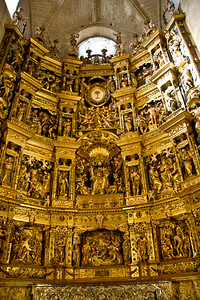 A marvelous golden retablo in the cathedral of Santo Domingo de la Calzada.
