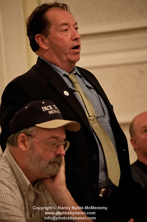 13th Biannual Evelyn Antonivich Candidates Forum Weathersfield Meeting House Weathersfield VT October 16, 2012 Copyright ©2012 Nancy Nutile-McMenemy www.photosbynanci.com More political images: http://www.photosbynanci.com/Obama.html