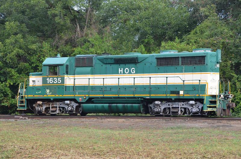4265 – Heart Of Georgia engine. Looks like it might be a GP35 or GP40.