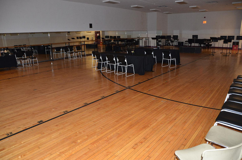 Large rehearsal hall. The black lines match the lifts and turntable on the stage.