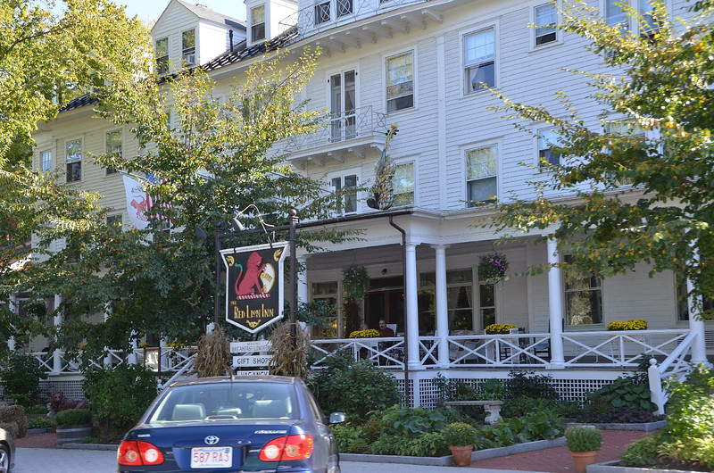 My photography partner, John Vallini, introduced me to Steak au Poive at the Red Lion Inn, in Stockbridge, while we were on location for a shoot. I try never to pass up this entré, ever.