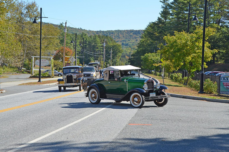 """Just as we pull into the Visitors Center, so too a whole bunch of antique cars. Along the way we must have passed 50+ RV's going the other way! No one was leaning out of the cab's yelling: """"Go back, go back. Save yourselves while you can!!"""" So we continued on..."""