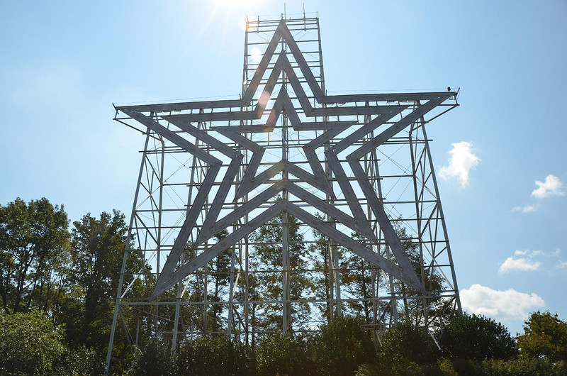 4805, 4807 – We stopped to get an overview of city we had just visited, Roanoke VA. This large star is clearly visible from any part of town.